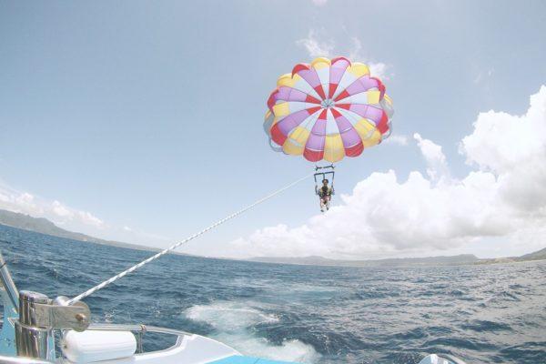 【沖繩自由行】沖繩必玩~海上拖曳傘高空體驗!!